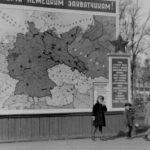 Карта линии фронта Великой Отечественной войны на Октябрьской площади около Драмтеатра
